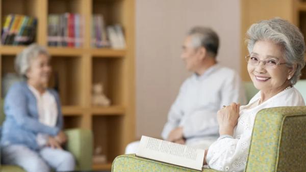 如何让晚年生活无忧 中宏尊享人生年金保险怎么样?